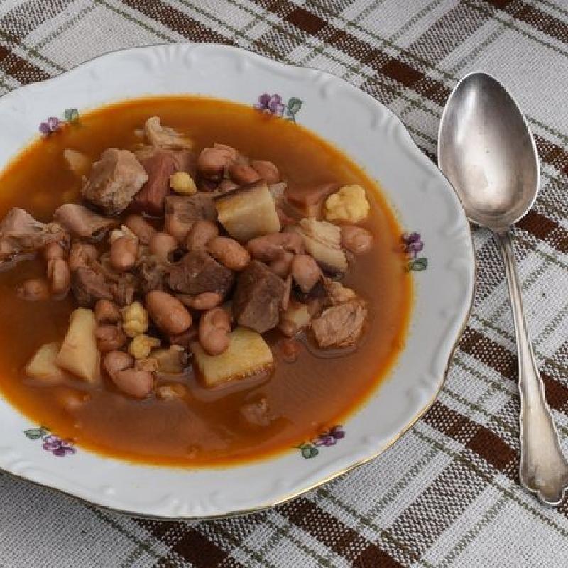 3 húsos babgulyás bográcsban - Levesek - Hajókonyha recept